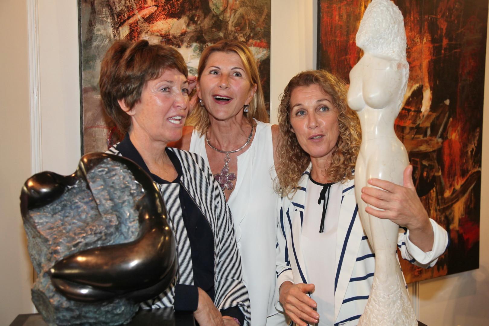 Florence   Duet - Exposition Cannes Artistes Du Monde 2015-Marina Picasso, Erka et Florence Duet